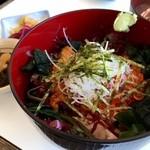 海鮮料理 日南水産 - ウニ・イクラ丼も注文!