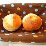 Restaurant au Sauvage - 猛烈激熱パン。やけど注意。