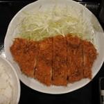 とんかつ まるや 大手町店 - ロースカツ定食(700円)