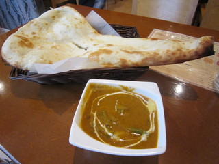 インディアンキッチン Deepty - ヨーグルトで発酵させた、ナン&ベジタブルカレー♪