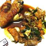 みつば食堂 - 料理写真:豚足、ホルモン一人前。