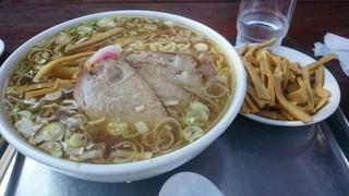 東京らぁめん ちよだ - チャーシュー麺 中盛り メンマ