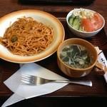 鈴与し - ナポリタンスパゲティーセット(サラダ・スープ付)700円