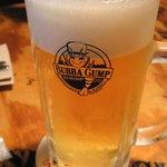 ババ・ガンプ・シュリンプ - まずは一杯!バドMサイズ780円