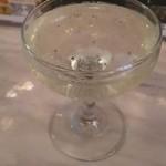くいものやBAR  - ハッピーアワーはシャンパン