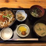 居酒屋弁慶 下長店 - 八戸海鮮丼780+小そば150円