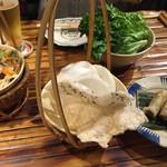 アンゴン - 蓮の茎と海老茹で豚の酸っぱいサラダ880円