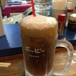 立ち飲み とっちゃん - これがあのシャリ金です!金宮焼酎を冷やしてシャーベット状にしてホッピーと混ぜます。美味い!