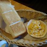 コメダ珈琲店 - 2016.02 Bのトースト&玉子サラダにしました。
