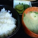 焼肉御膳蓮 - ランチのご飯とお味噌汁