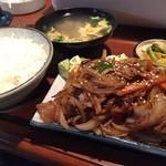 かねこ - 焼肉定食  ボリュームたっぷりでおいしく頂きました (*´ڡ`●)