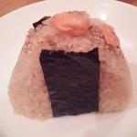 おむすび 重吉 - 醤油だしの鮭おにぎり