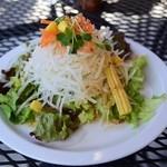 コンフィー - ランチのサラダ