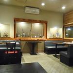 TANTO屋 - ディナータイム 開店すぐの店内 2016.2