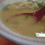金龍ラーメン - スープ