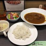 牛たん炭焼 利久 - 牛たんちょっと贅沢なカレー定食