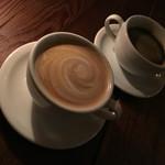 マディソン ニューヨーク キッチン - ホットラテ・ホットコーヒー