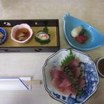 Kawachiya - お通し 小鉢 鯉のあらい