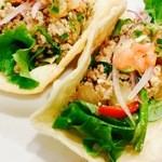 アスリートカフェフィールドHola&Aloha - メキシカン・タコス~自家製サルサソースとワカモレソース~具材には名物チリ・コン・カン!