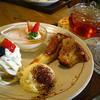 ポッカリ - 料理写真:デザートの盛り合わせセット(ドリンク付き)¥920(2016/1現在)