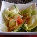 焼肉 八山 - サラダ