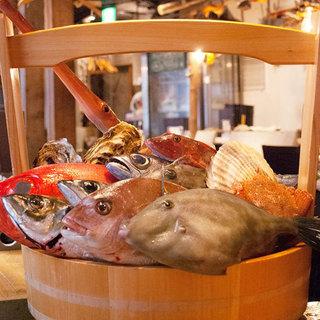 旬な魚介を目の前で選べる!