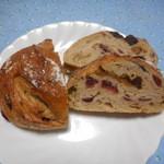 パン屋 ルーツ - いちじく443円