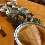 甘味処 篠 - お昼の定食 700円 これにごはんと味噌汁がつきます!激安! 良いご夫婦だった…草津でいっぱい幸せとエネルギーいただきました!