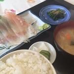 彩 - ひらめ刺身定食800円えんがわ付いてた!