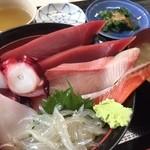 彩 - 海鮮丼 白魚入り!800円