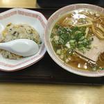 一番 - 料理写真:チャーハン定食(950円)