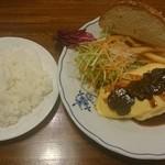 47479918 - ヒマラヤ産フレッシュトリュフとチーズのオムレツ