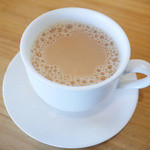 アハサ食堂 - ドリンク付きデザートセット(600円)のキリテー(スリランカのミルクティ