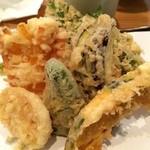 いなりや - 野菜天せいろの天ぷらアップ