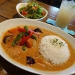 cafe Santa Fe - 料理写真:マッサマンカレー(期間限定ランチセット)