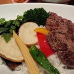 ガン・シップ - 野菜とステーキ