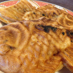 Narutotaiyakihompo - 「十勝産小豆鯛焼き」+「鳴門金時いも鯛焼き」を頂きました。