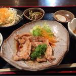 鶴喜 - 生姜焼き定食  700円