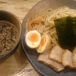 ラーメン龍の家 - つけ麺もつ 中盛りスペシャル