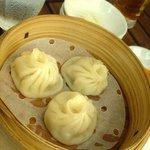 上海ダイニング茶々苑 - あつあつスープ入り小籠包 315円