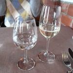 47502688 - 発泡水と月山ワイン