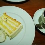 HARBS - ホワイトチョコレートケーキ&コーヒー