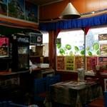 インド・ネパール料理 シャマーマハル - 店内