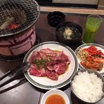 和牛焼肉 漢江 - リブロースステーキランチ1,400円(税込)