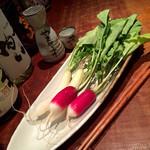 せった 深夜食堂風 食べ呑み処 - ミニ大根 (ニンニク味噌と明太マヨ)