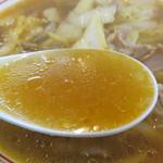 博多ラーメン 膳 - 豚骨ではなく、牛の洋風出汁・フォンドボーを使ってます。醤油味で、少しだけピリ辛。