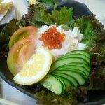 一作鮨 - カニとイクラのサラダ