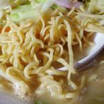 チャンポン福龍 - 「チャンポン(大盛)」戸畑チャンポン特有の少し色がついた細い蒸し麺
