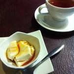 ビストロビカーサ - ミニデザート&紅茶