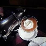 珈琲専科 城戸 - これが「パリのロマンス」の動画